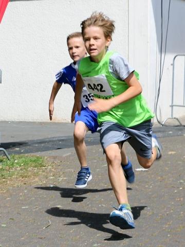 Salzkotten Marathon Schülerlauf Endspurt