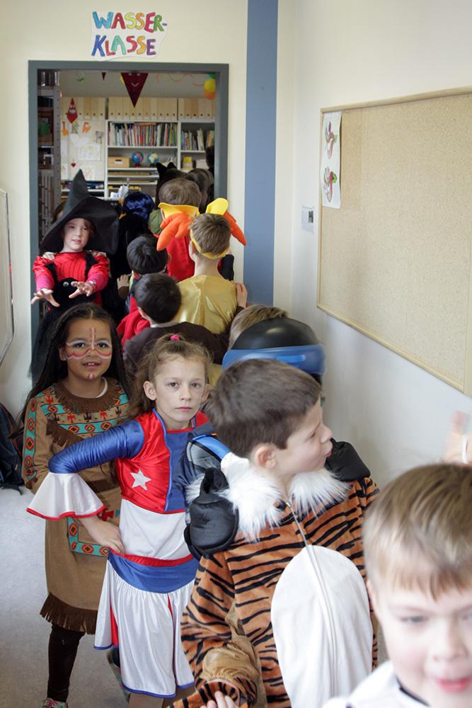 Karnevalpolonaise vor der Wasserklasse